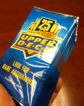 2014-Upper-Deck-25th-Anniversary-Banded-Packs-Front