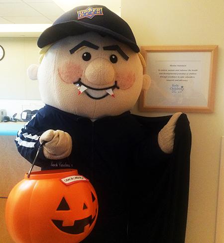 Upper-Deck-Gives-Back-Charity-Philanthropy-Halloween-Rady-Childrens-Hospital-1