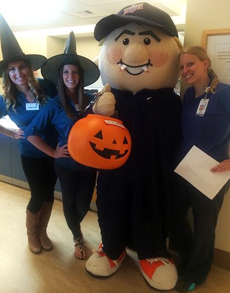 Upper-Deck-Gives-Back-Charity-Philanthropy-Halloween-Rady-Childrens-Hospital-2