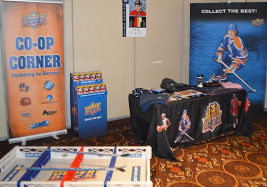 2015-beckett-las-vegas-industry-summit-collectibles-sports-cards-upper-deck-co-op-corner-shop-box-hockey