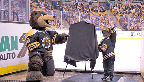 Upper-Deck-Boston-Bruins-Liam-Fitzgerald-Trading-Card-Heroic-Inspirations-Reveal-Mascot-1