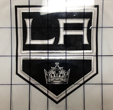 2014-15-NHL-UD-Premier-Mega-Patch-Memorabilia-Card-Los-Angeles-Kings-Jonathan-Quick-Chest-Logo-Grid