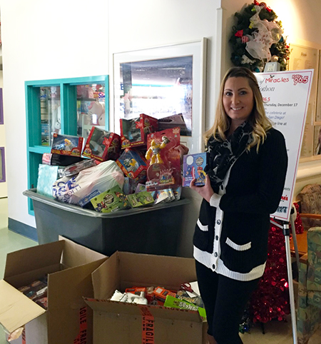 Charity-Upper-Deck-Gives-Back-at-Christmas-San-Diego-Goodwill-Rady-Childrens-Hospital