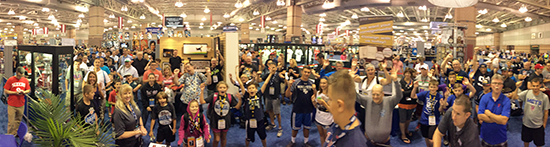 Upper-Deck-National-Sports-Collectors-Convention-Giveaway-Raffle-Corporate-Booth-Excited-Fans