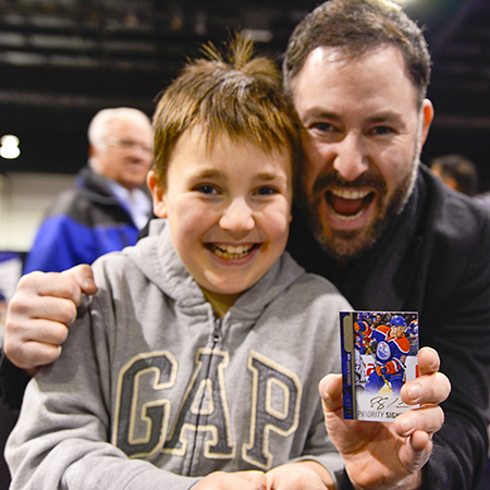 2016-spring-expo-upper-deck-connor-mcdavid-parkhurst-priority-signings-autograph-father-son-happy-collect-hobby
