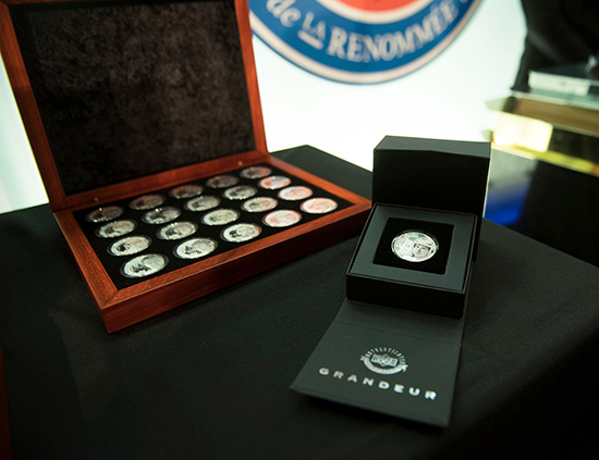 2017-Upper-Deck-Grandeur-Launch-Hockey-Hall-of-Fame-NHLPA-CIBC-Coins-Close-Up