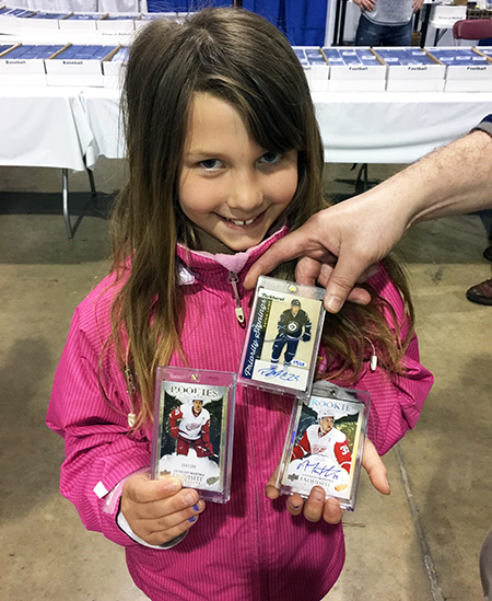 2017-upper-deck-sport-card-memorbabilia-toronto-nhl-hockey-cards-kids-happy-girl-collector