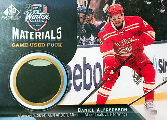 2014-15-nhl-sp-game-used-winter-classic-materials-daniel-alfredsson-puck