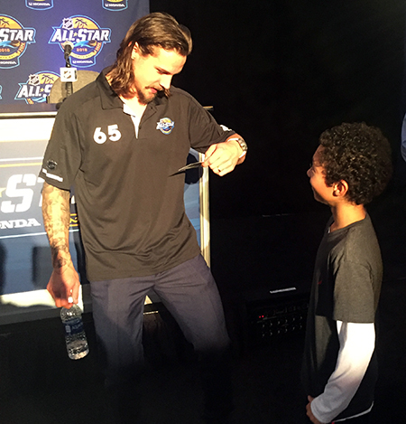 2018-upper-deck-nhl-all-star-media-day-kid-correspondent-interview-reporter-erik-karlsson-game-dated-moments-card-jaxson-shandler