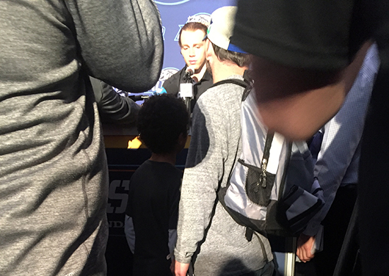2018-upper-deck-nhl-all-star-media-day-kid-correspondent-interview-reporter-too-little-jaxson-shandler-2
