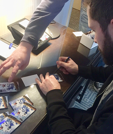 2019-nhl-all-star-fan-fair-upper-deck-athlete-signings-nikita-kucherov-1