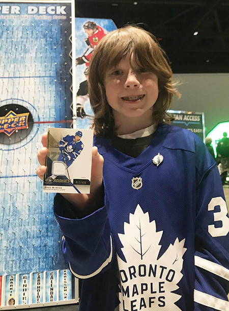 2019-nhl-all-star-fan-fair-upper-deck-san-jose-leafs-fan-puck-o
