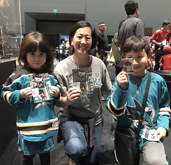 2019-nhl-all-star-fan-fair-upper-deck-san-jose-sharks-fans-puck-o