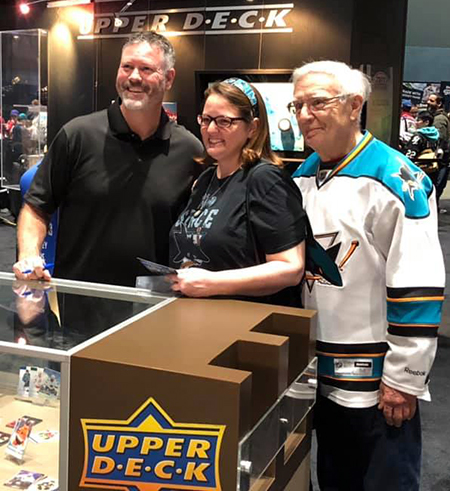 2019-upper-deck-nhl-all-star-fan-fair-autograph-signing-san-jose-sharks-owen-nolan-3